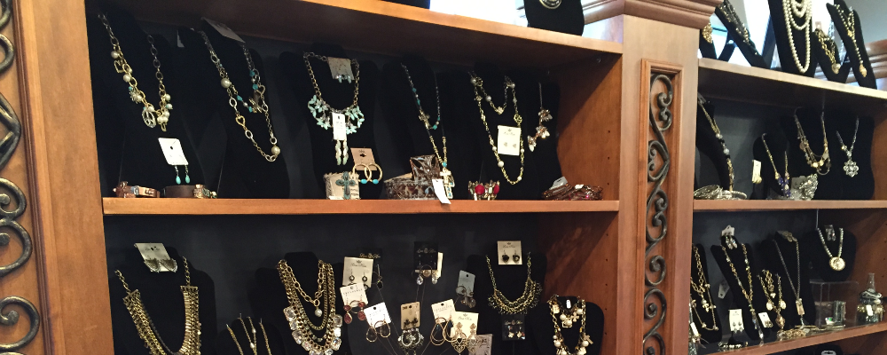 Shoptiques Boutique: Nikki's Glitz and Glam Boutique