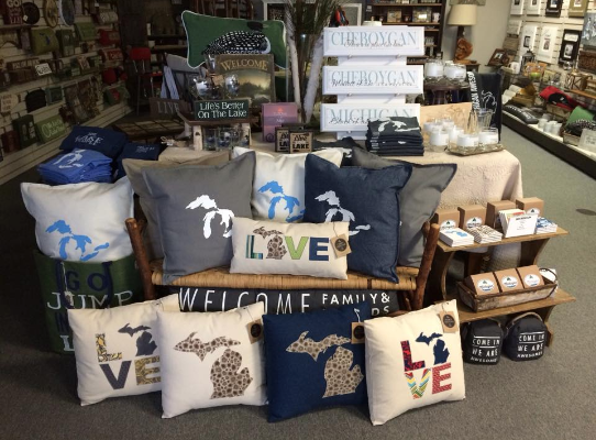 Shoptiques Boutique: Up North on the Lake