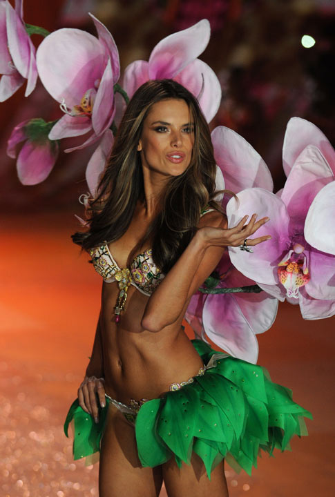 Shoptiques The Trouble With Angels: Victoria's Secret Fashion Show Recap