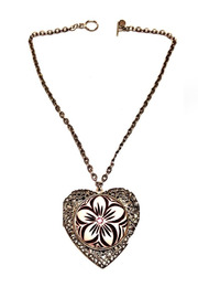 Retro Heart Locket for Sale at RMNOnline Fashion Group / #RMNOnline (www.RMNOnline.net)