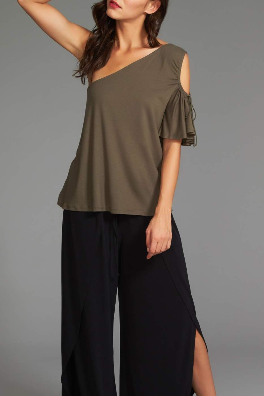 1.State One-Shoulder Cut-Out - Side Cropped Image