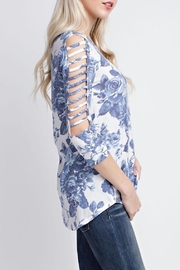 12pm by Mon Ami Blue Floral Cut-Out - Side cropped