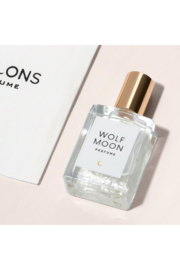Olivine Atelier 13 Moons - Wolf Moon Perfume - Front cropped