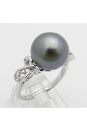 Margolin & Co 18K White Gold Diamond and Black Pearl Engagement Ring June Birthstone Size 6.5 FREE Sizing - Front full body