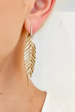 Jen Collection  18K Yellow Gold Baguette Feather Earrings (4.13ct) - Alternate List Image