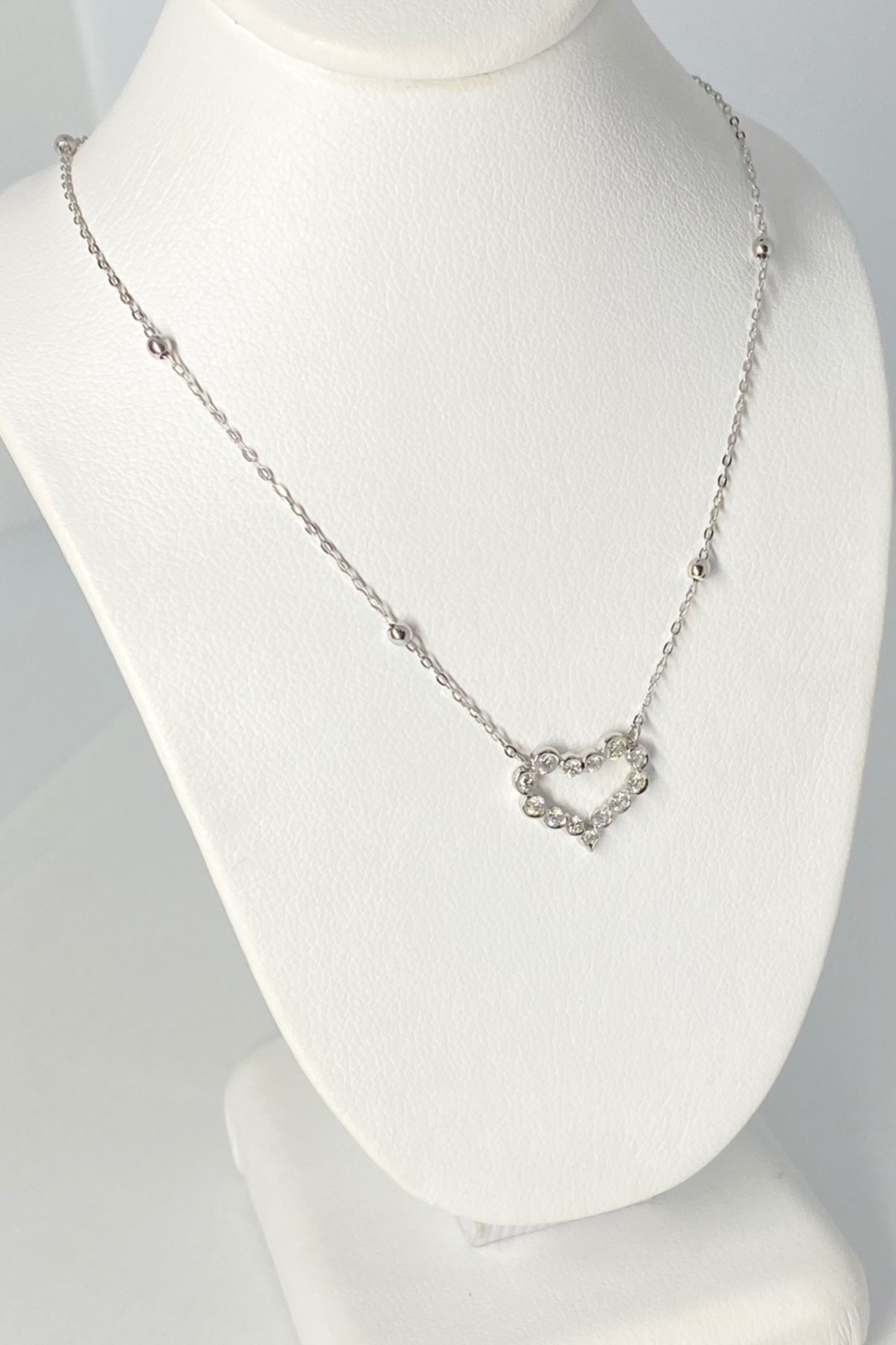 ... 18kt White Gold Diamond Necklace - Side Cropped Image
