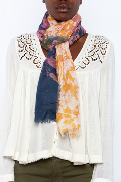 2 Chic Contrasting Scarf - Alternate List Image