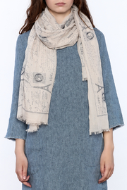 2 Chic Eiffel Tower Print Scarf - Back cropped