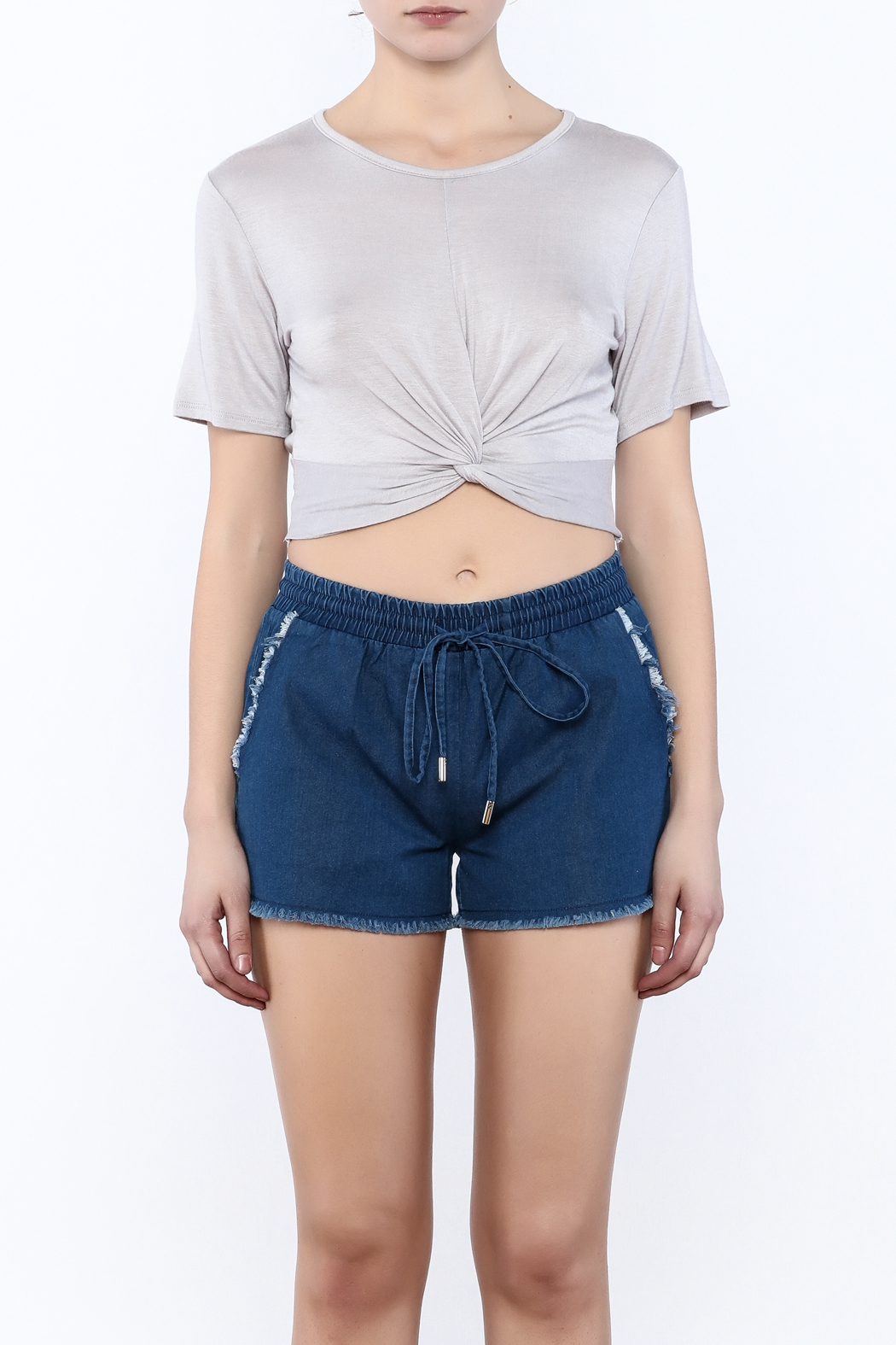 2 Hearts Twist-Knot Cropped Tee - Side Cropped Image