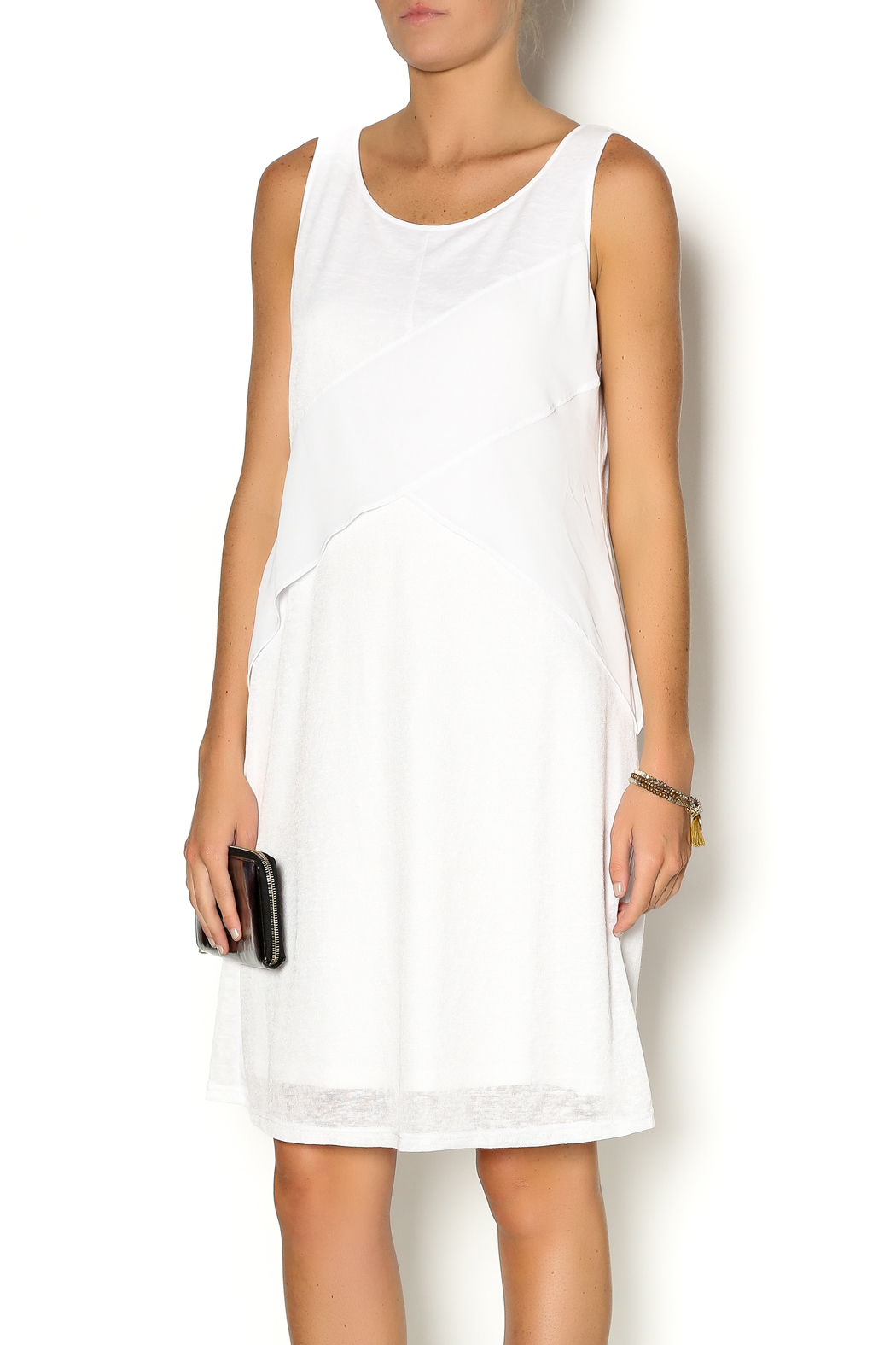 More Details Zoe Sleeveless Sheath Lace Asymmetric Dress, Black/White, Size Details Zoe contrast colorblock dress featuring lace panels. Crew neckline; exposed back zip. Sleeveless; wide straps. Asymmetric hem. Sheath silhouette. Matte sateen front, lace and lining: polyester.