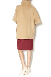 Katherine Barclay Structured Camel Coat - Side cropped
