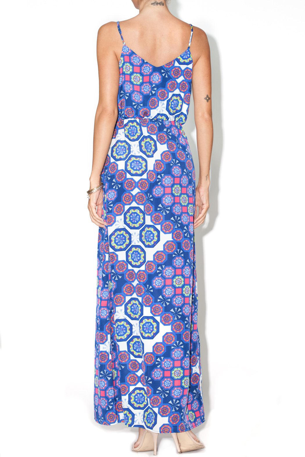 Skies Are Blue Traveler's Printed Maxi - Side Cropped Image