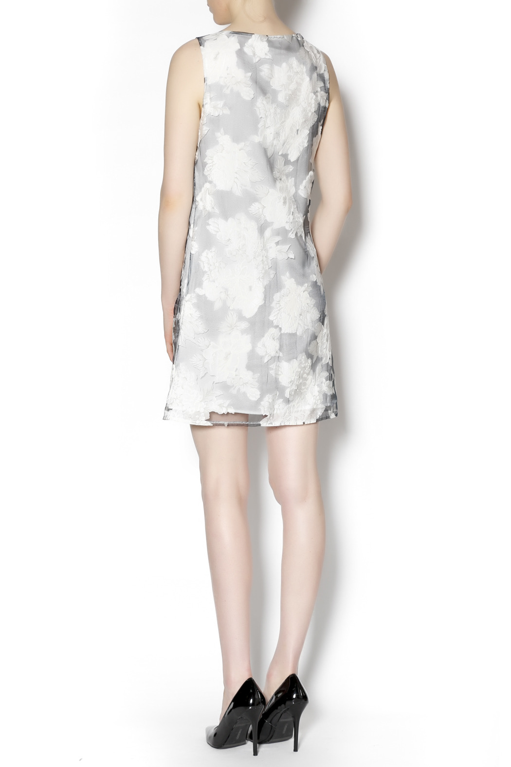 Lucy & Co. sleeveless white dress - Side Cropped Image