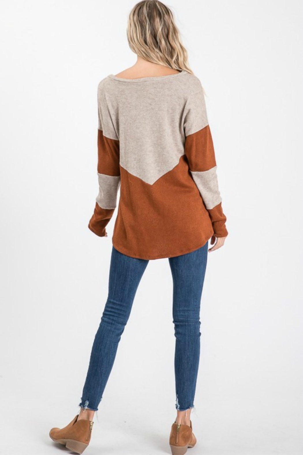 Cezanne 2TONE COLOR BLOCK SWEATER - Side Cropped Image