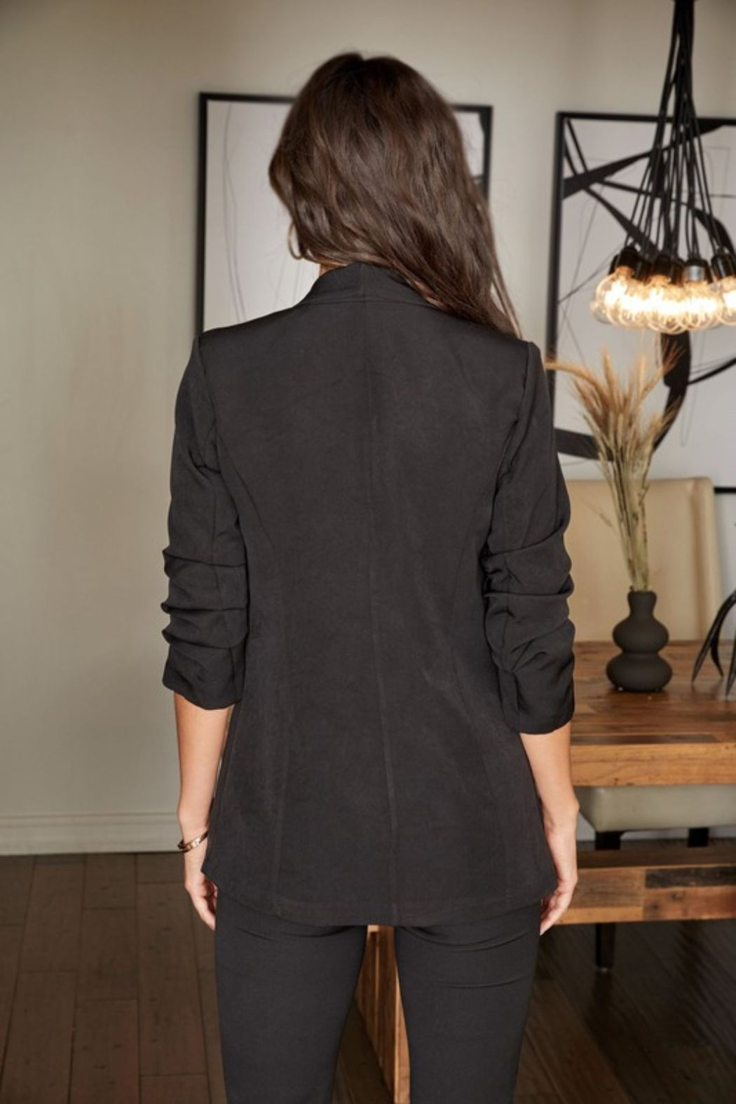 Venti 6 3/4 Ruched Sleeve Blazer - Side Cropped Image