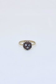 Abeja 3 Stud Ring - Front cropped