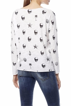 360Sweater Skull Print Tee - Alternate List Image