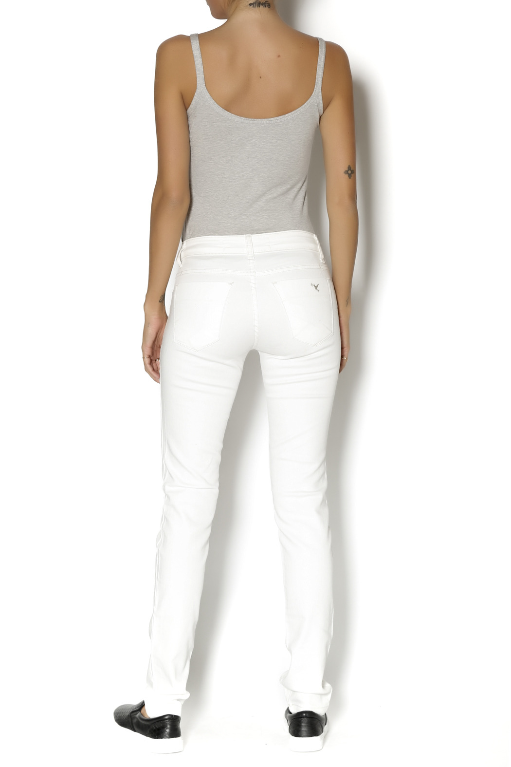 Beija Flor White  Denim - Side Cropped Image