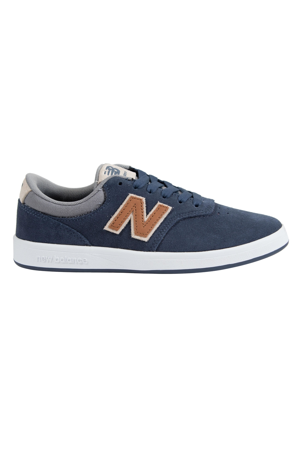 New Balance 424 Sneakers - Side Cropped Image