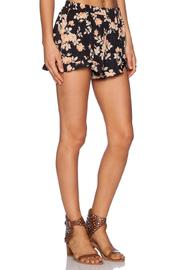 Jack Floral Ruffle Shorts - Side cropped