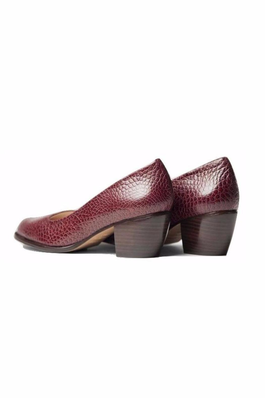 5yMedio Luisa Embossed Leather Pump - Side Cropped Image