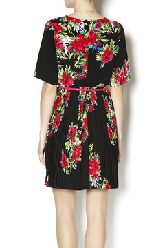Darling Pleated Floral Dress - Alternate List Image