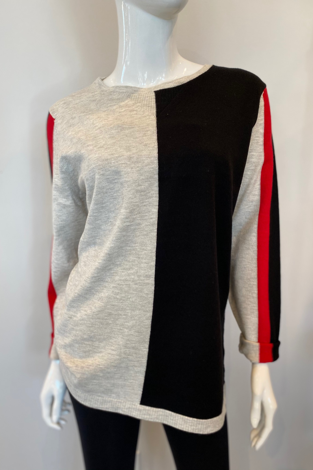 ByLyse 762-2222 - Sweater - Front Cropped Image