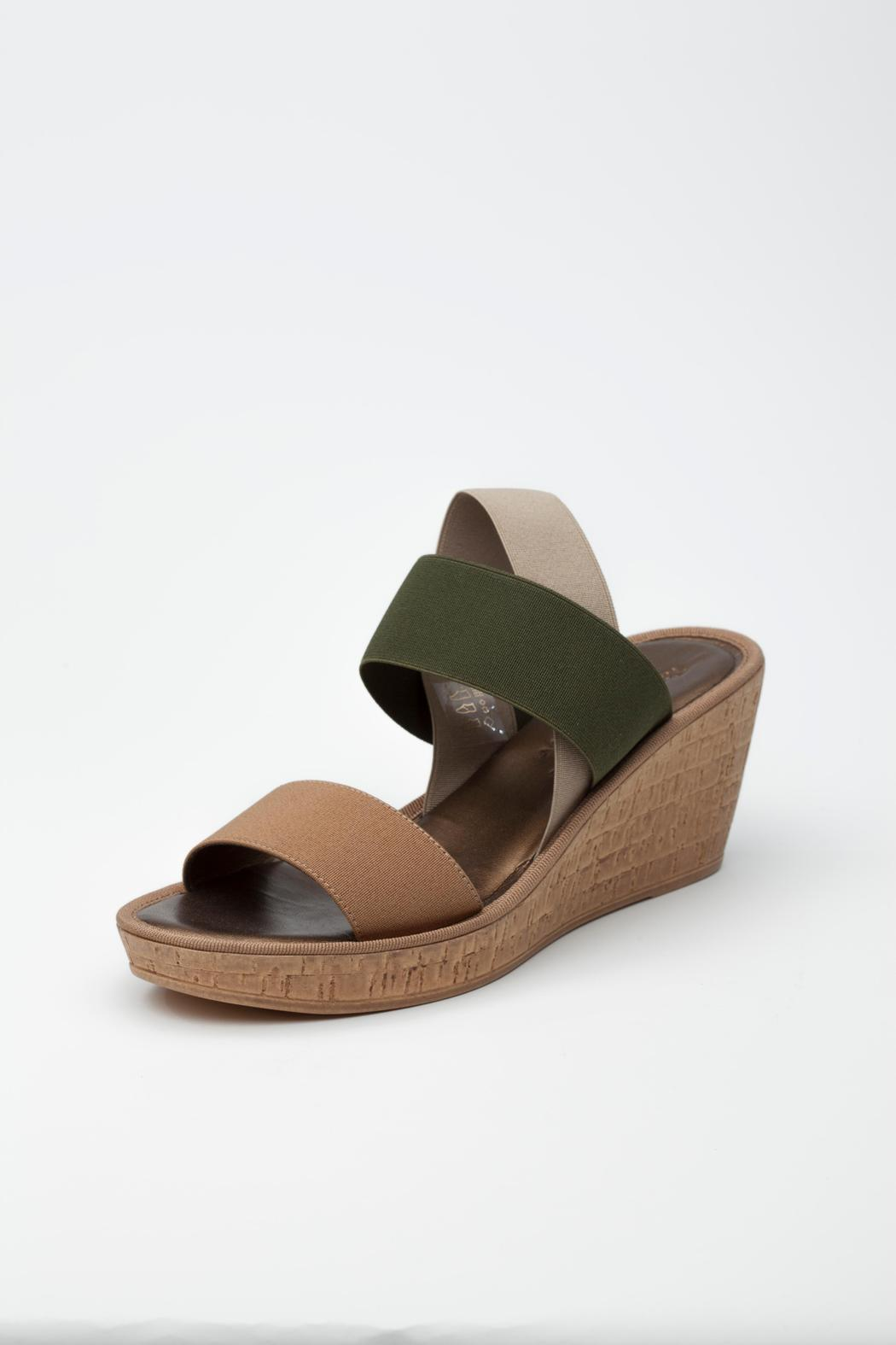 A Snug Fit Or Loose Fitting Shoe