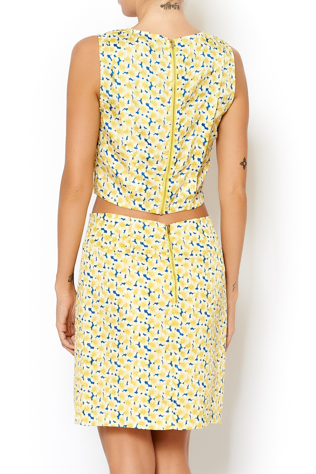 I. Madeline Yellow Daisy Crop Top - Front Full Image