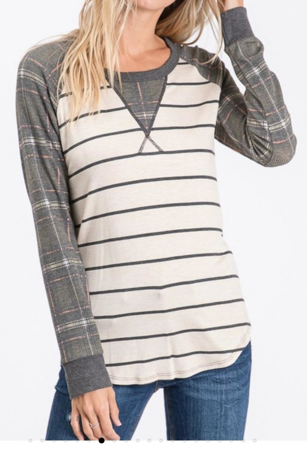 7th Ray Plaid Raglan-Sleeve Top - Front Cropped Image