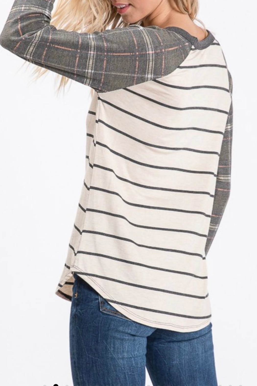 7th Ray Plaid Raglan-Sleeve Top - Side Cropped Image