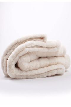 8 Oak Lane Faux Fur Throw - Alternate List Image