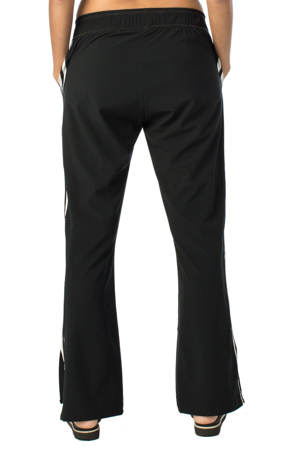 925 FIT Armed &Dangerous Pant - Side Cropped Image