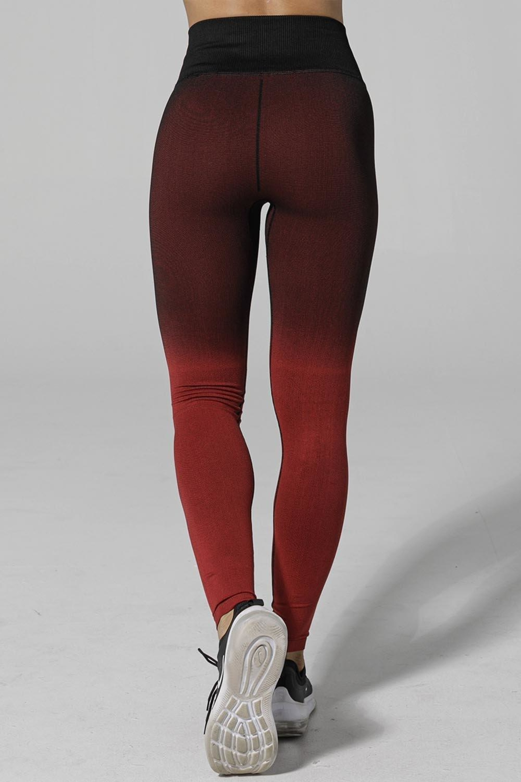 925 FIT Shady Leggings - Side Cropped Image