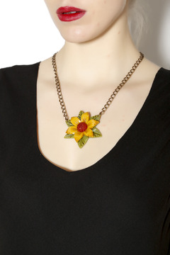 Hotcakes Design Tri-Color Flower Necklace - Alternate List Image