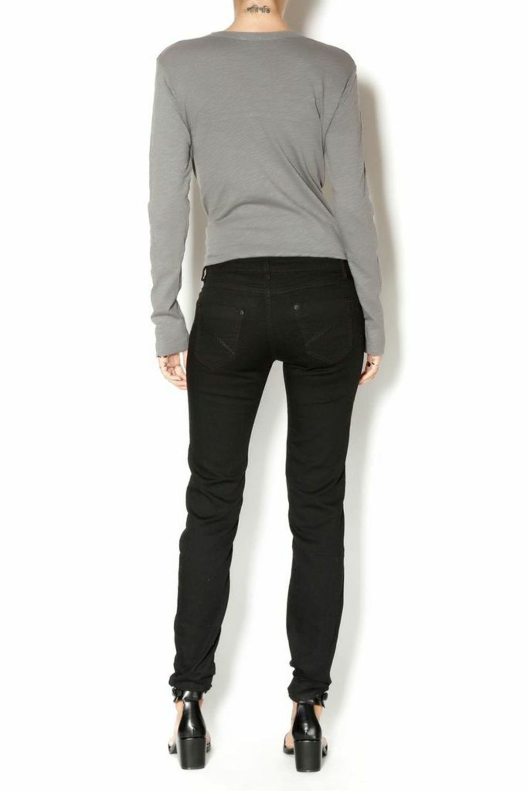Stith & Soul Skinny Stretchy Pant - Side Cropped Image