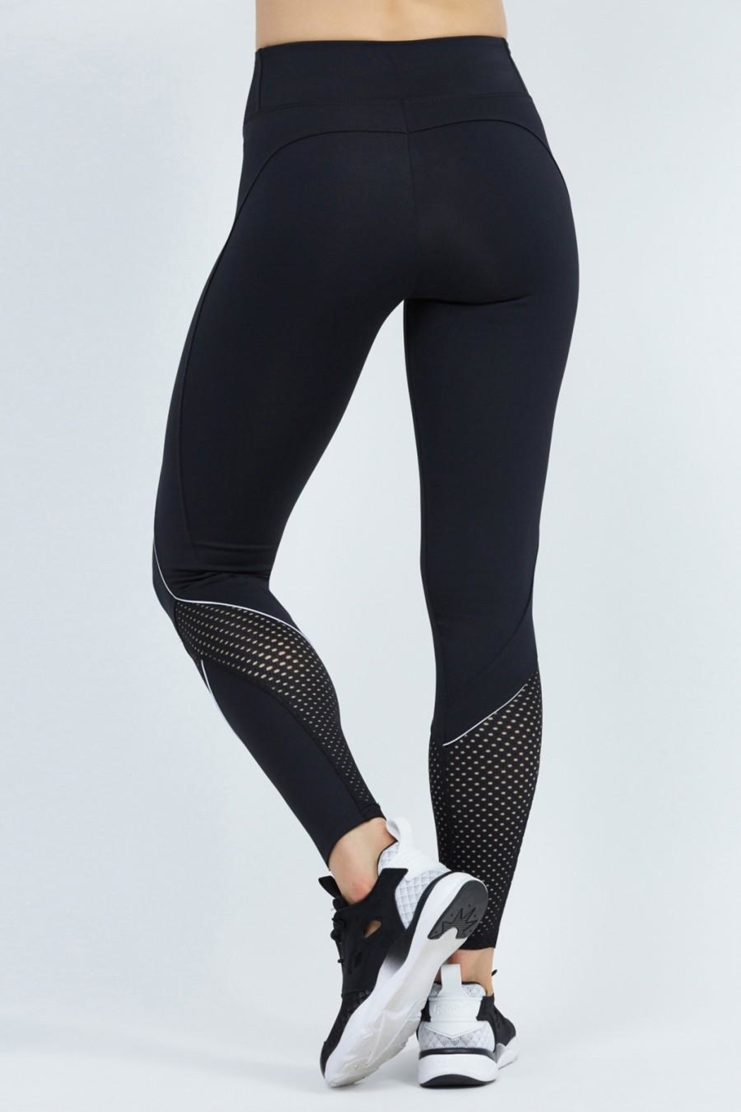 9two5 Fit Close Quarters Leggings - Side Cropped Image