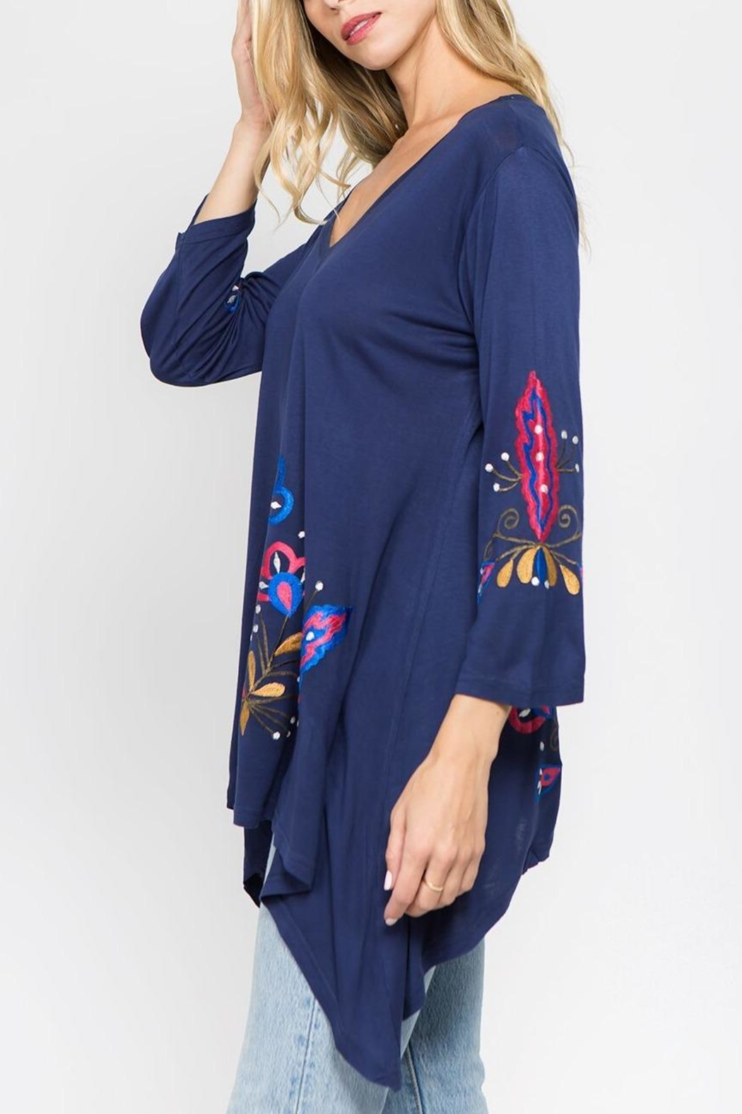 A&A Embroidered Knit Top - Side Cropped Image