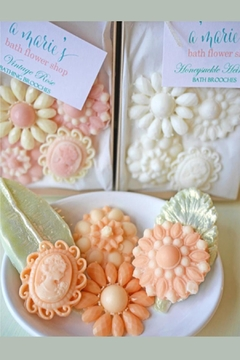 A'Marie's Bath Flower Shop Soap Brooch Set - Alternate List Image