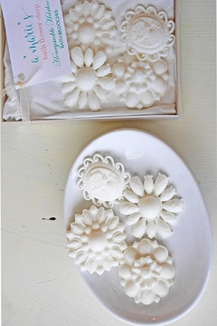 A'Marie's Bath Flower Shop Soap Brooch Set - Product List Image