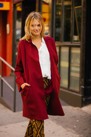 Pinkyotto Red cape Jacket - Side cropped