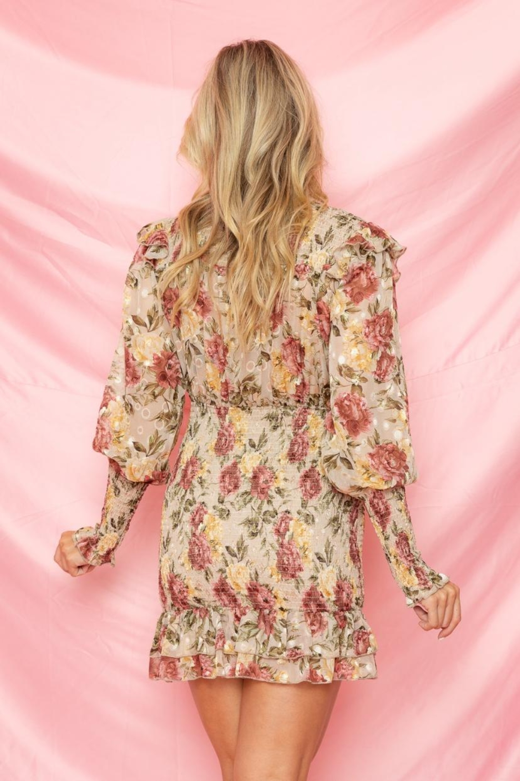 A Peach Floral Mini Dress - Side Cropped Image
