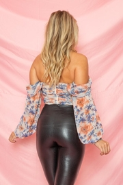 A Peach Floral Ruched Top - Side cropped