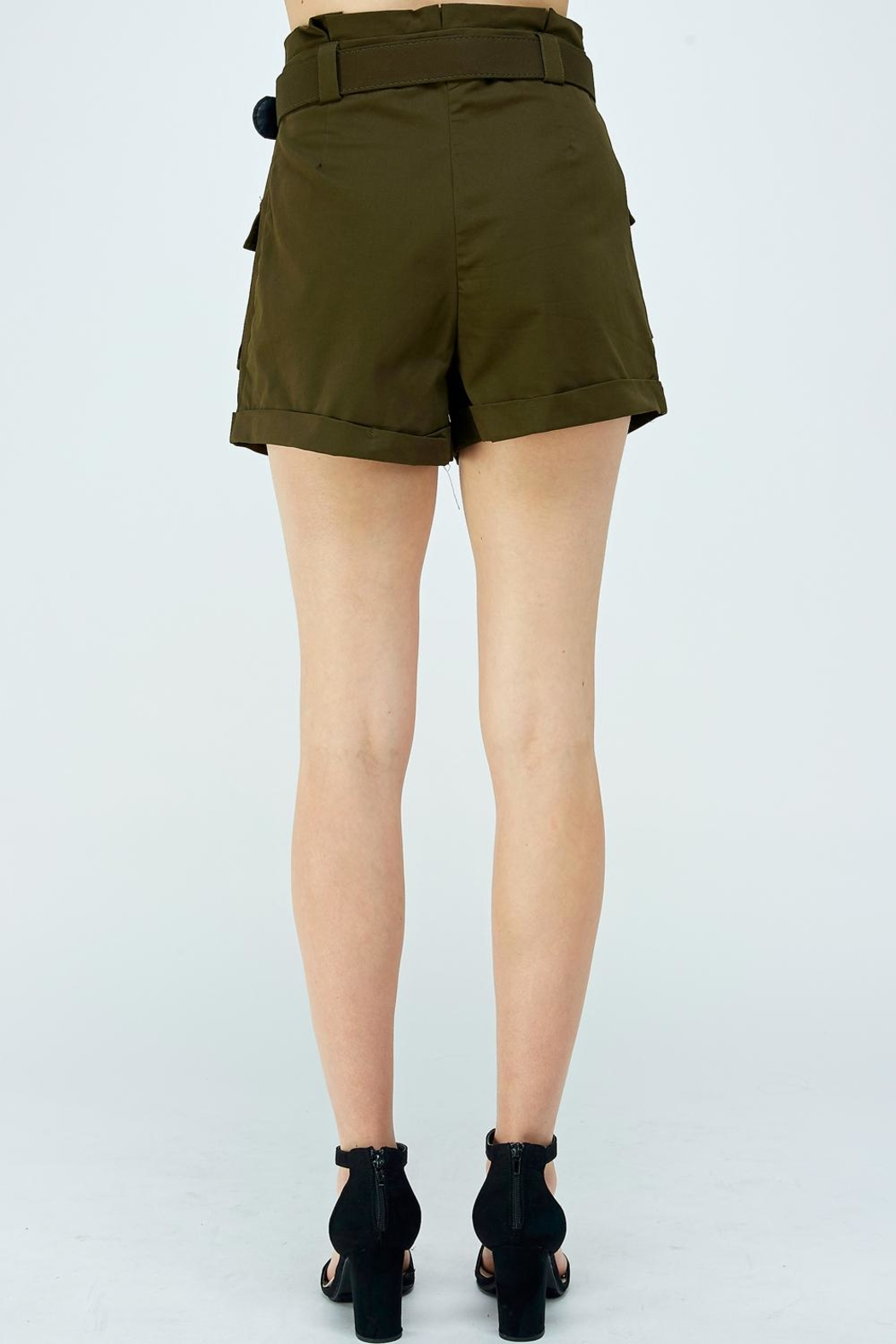 A Peach Green Cargo Shorts - Side Cropped Image