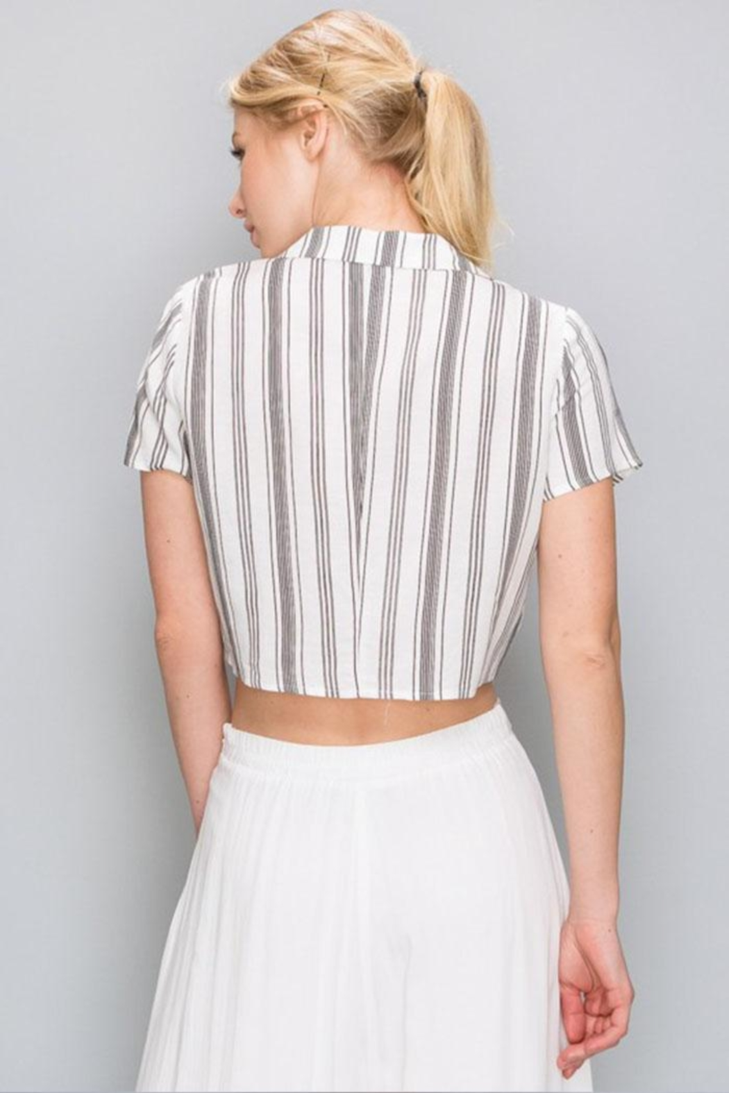 AAKAA Tie Front Crop-Top - Side Cropped Image