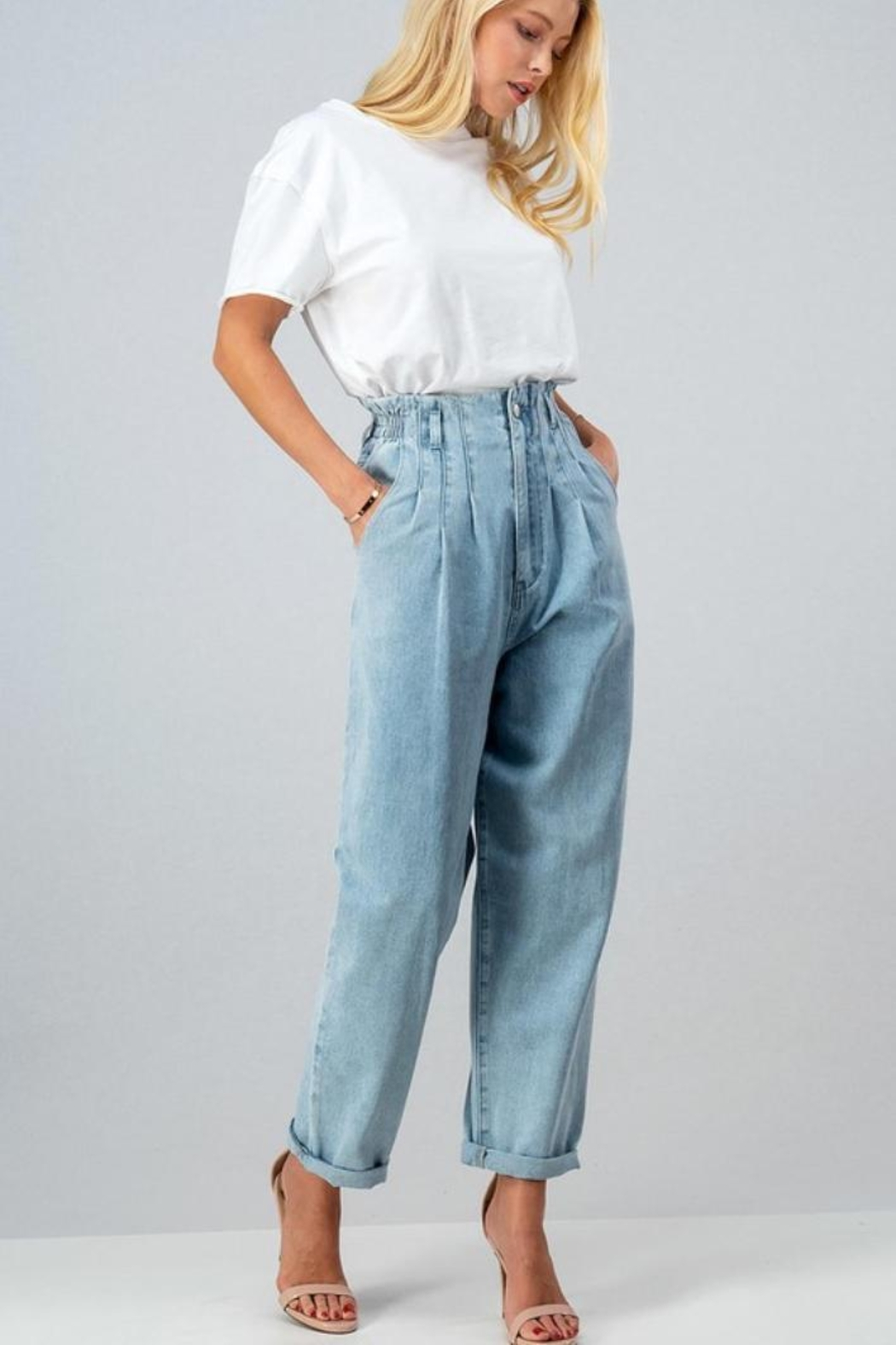 Aaron & Amber High Waisted Mom Jeans - Side Cropped Image