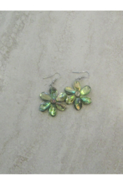 Bamboo Source ABALONE FLOWER DROP EARRING - Front cropped