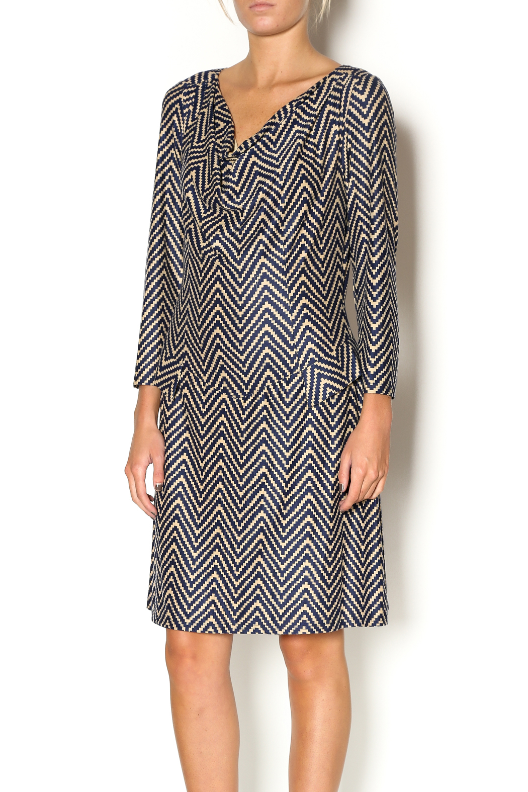 Abby & Taylor Zig Zag Dress - Front Cropped Image