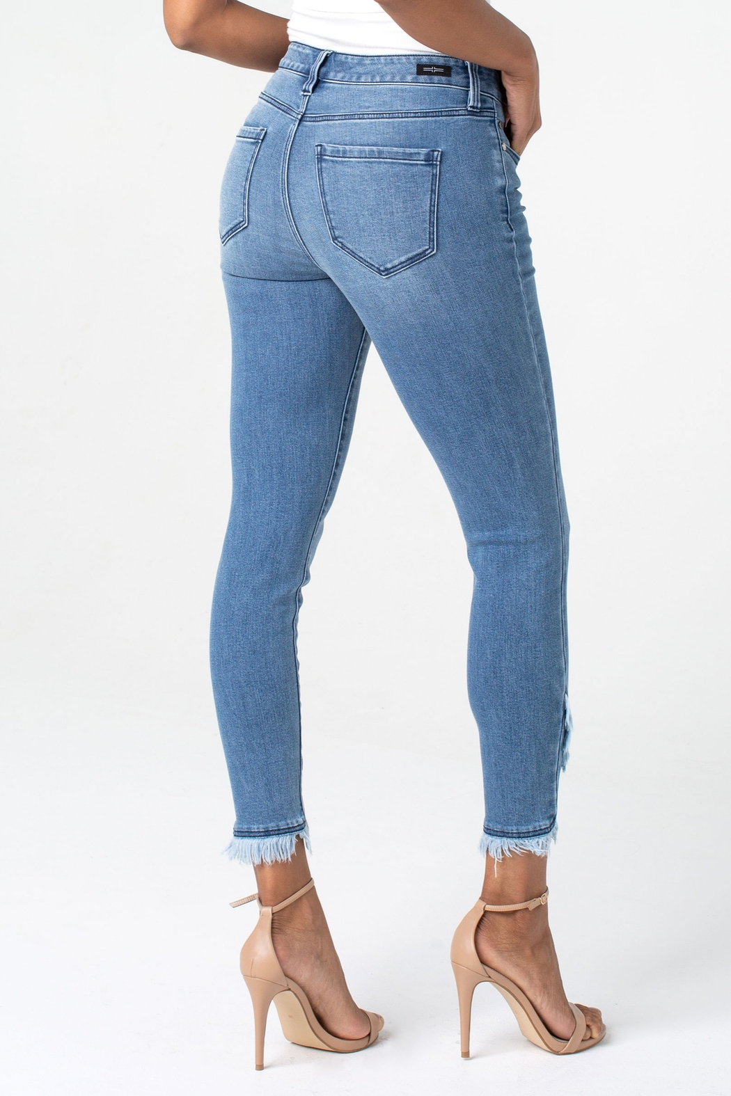 Liverpool Abby Crop Skinny with Front Scallop Hem - Side Cropped Image