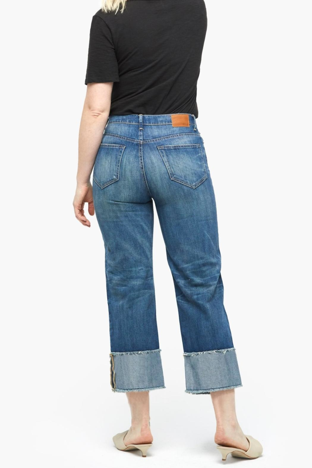 Able Distressed Cropped Jeans - Side Cropped Image